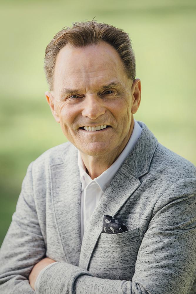 Dr. Ronnie Floyd-Semi Formal